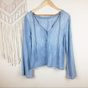 Anthro • Cloth and Stone Chambray Top